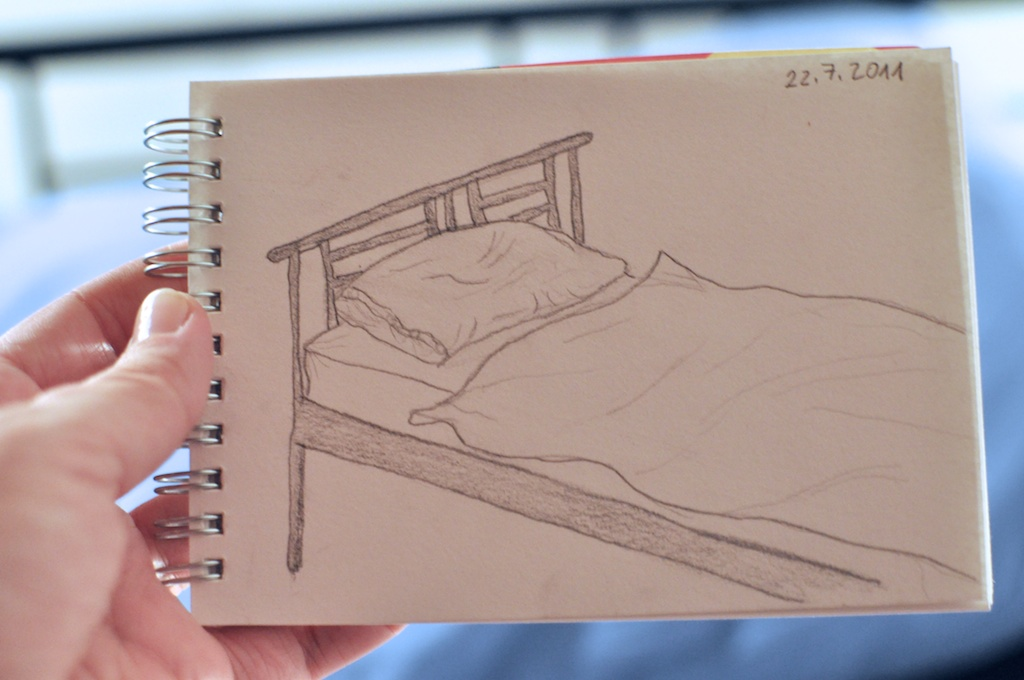 Be Creative #203 - Goody bye, bed!, © Ines Häufler, 2011