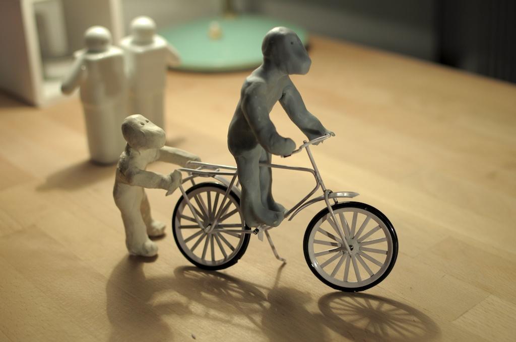 Be Creative #210, How to ride a bike, © Ines Häufler, 2011