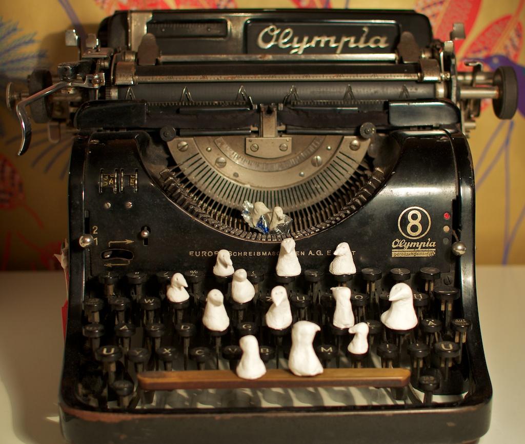 Be Creative #319 - Visiting my typewriter, © Ines Häufler, 2011