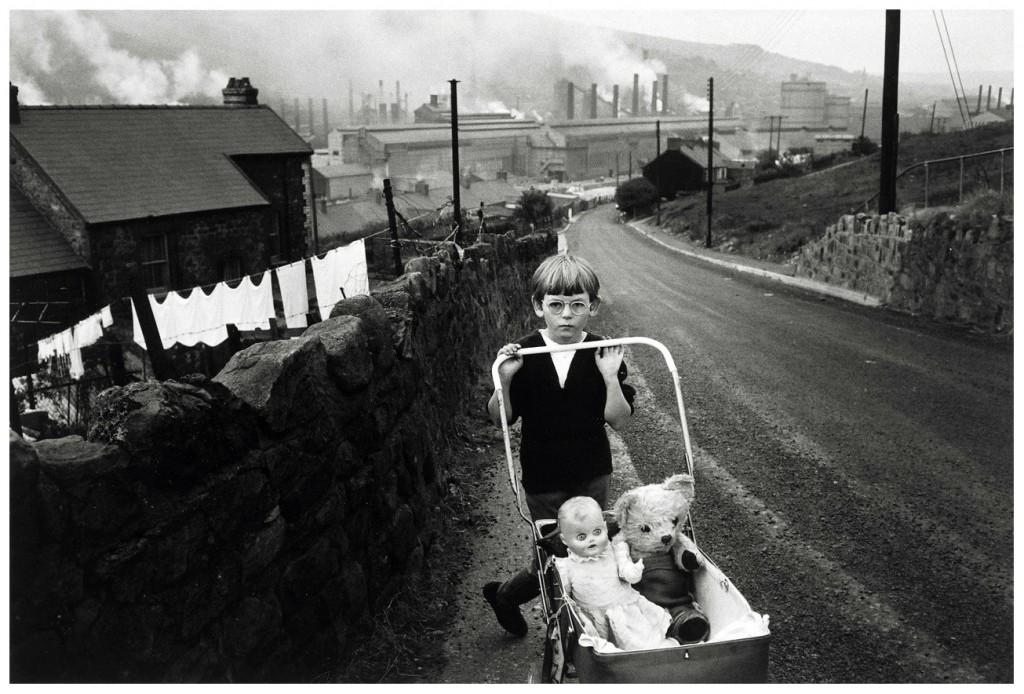 Bruce Davidson: South Wales, 1965.